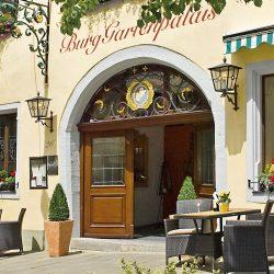 burggartenpalais-haus-eingang